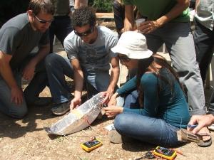 בניית שוקת פרבולית - צילום: אלעד נור