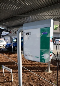 עמדת התשלום והטעינה של הרכבים החשמליים שפיתחה חברת BELECTRIC Drive