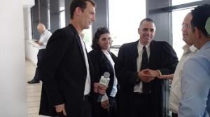 ראיון עם עורכי הדין במסדרונות בית המשפט - צילום: אביחי ברוך