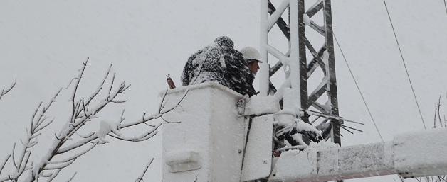 """חברת החשמל, חשמל, סופה חורף , שלג . צילום: חברת החשמל יח""""צ. מותר לשימוש"""