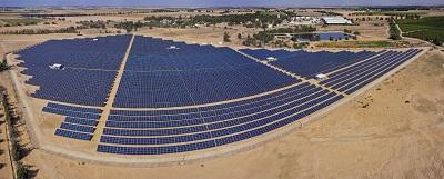 """המתקן הסולארי """"גבולות"""" של EDF-EN ישראל. התמונה באדיבות GRIFFIN Aerial Imaging"""