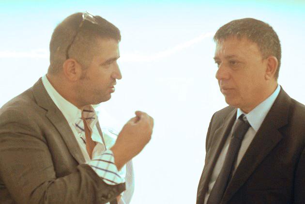 """מנכ""""ל תשתיות ישראל ארנון מעוז_השר להגנת הסביבה_אבי גבאי בשיחה"""
