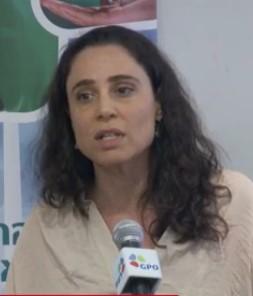 """מנכ""""לית עמותת צלול, מאיה יעקבס. השימוע הפומבי על מתווה הגז הטבעי. 22.7.15"""