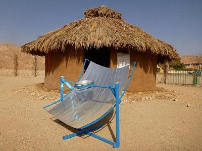 בקתה עם התפלת מים סולארית בכפר האוף גריד. קרדיט: אילת אילות אנרגיה מתחדשת