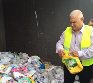 """ישראל דנציגר מנכ""""ל המשרד להגנת הסביבה בביקור בתחנת מעבר. צילום: המשרד להגנת הסביבה"""
