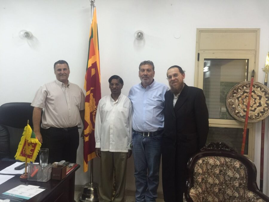Yam Pro meeting with Sri Lanka's ambassador to Israel to discuss the establishment of a partnership of 10 MW electric company and the government in Sri Lanka.
