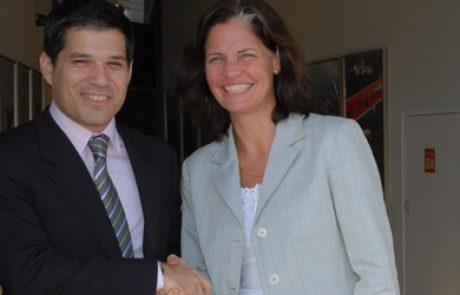 בטר פלייס תספק מכוניות חשמליות לשגרירות דנמרק בישראל
