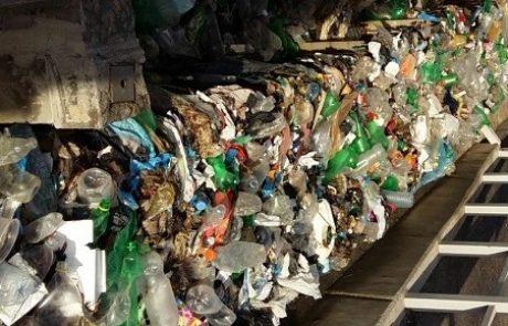 עשרות טונות של פסולת שמושלכת לים בעזה סותמות תחנות כוח של חברת החשמל