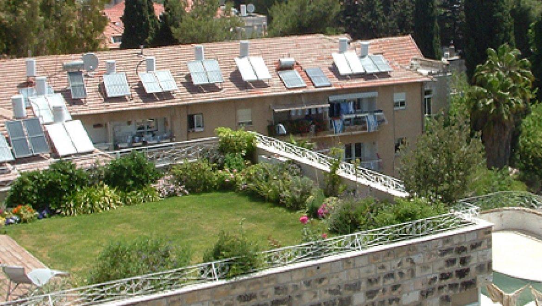 גנן על הגג: גגות ירוקים וקרים