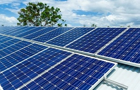 קליפורניה שוברת שיאים בייצור חשמל סולארי
