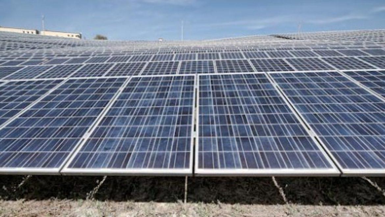 סין צפויה להודיע על יעד של 200 ג'יגה-וואט אנרגיה סולארית עד 2020