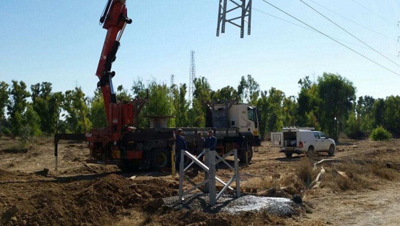 """""""צוק איתן"""": חברת חשמל מבצעת עבודות תיקון תחת אש"""