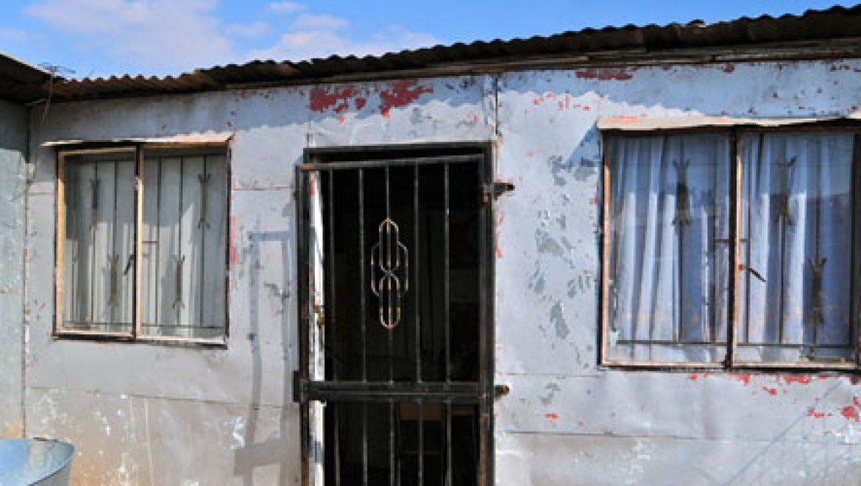נופלים בין הקווים: קהילה בדואית בכרמיאל עדיין לא מחוברת לחשמל