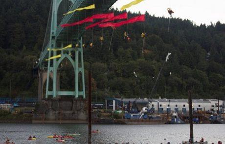 חברי גרינפיס מנעו מענקית הנפט Shell להפליג לקידוחים בקוטב