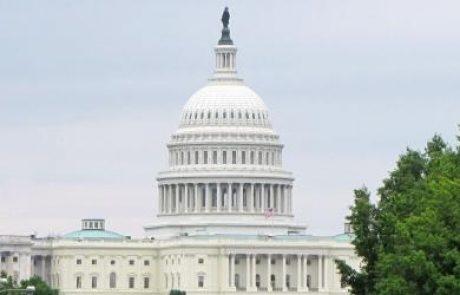 """נציגי המפלגות הגדולות בארה""""ב הגישו הצעת חוק לעידוד תחבורה חשמלית"""