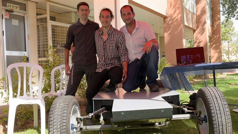 הסוף לבעיות החנייה? באוני' אריאל מפתחים רכב חשמלי מתקפל לגודל אופנוע