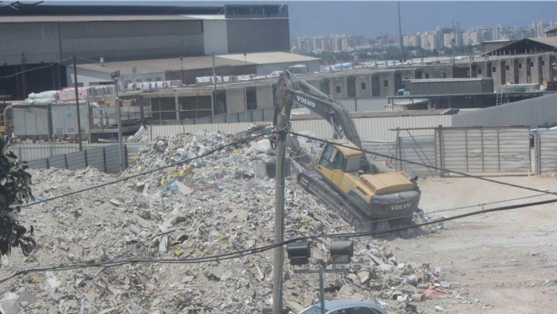 המשרד להגנת הסביבה סגר תחנת מעבר פיראטית לפסולת בניין באשקלון