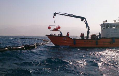 אירוע זיהום ים במסוף הדלק של עקבה: כ-200 טון נפט גולמי מאיימים על חופי המפרץ
