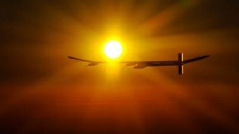 לראשונה: מטוס סולארי טס במשך יום ולילה ברציפות