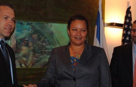 """שרי הסביבה של ארה""""ב וישראל חתמו על הסכם להרחבת שיתופי הפעולה"""