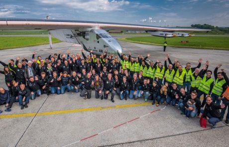 לראשונה: מטוס סולארי הקיף את העולם ללא שימוש בדלק – צפו בוידאו