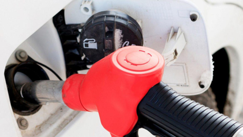 """פחות אבל עוד כואב: הדלק התייקר """"רק"""" ב- 28 אג', 7.74 בשירות עצמי"""