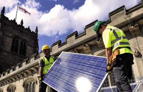 """מודל מיסוי חדש בארה""""ב יאפשר לכנסיות להקים מתקנים סולאריים"""