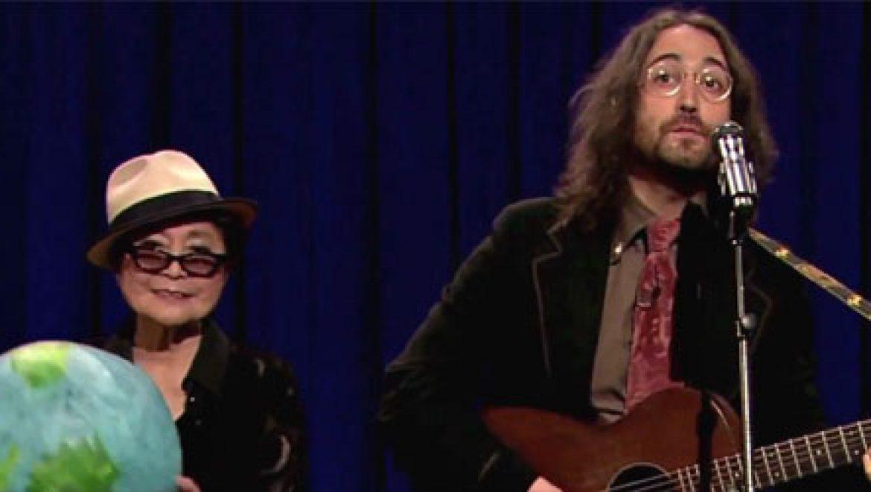 יוקו אונו ושון לנון בסינגל חדש נגד כריית פצלי השמן – צפו בוידאו