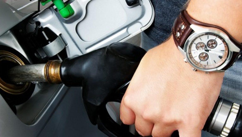 משרדי האוצר והתשתיות הפחיתו את שיעור המס על הדלק והותירו את מחירו ללא שינוי