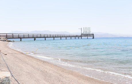 """שר האוצר ויו""""ר חברת החשמל מקדמים פתיחה לציבור של חוף נוסף באילת"""
