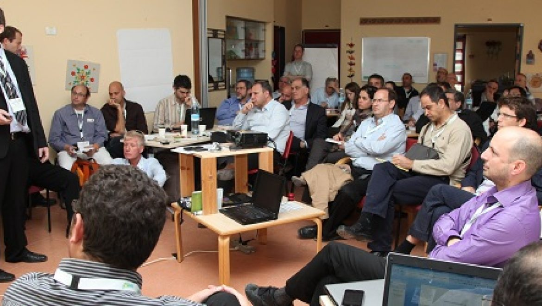 """פורום אילת אילות למדיניות אנרגיה מתחדשת: דיוני סדנת """"היערכות לעידן הגריד פאריטי"""""""