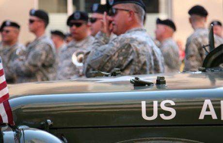 """צבא ארה""""ב ישקיע 10 מיליארד דולר בשנה עד 2030 באנרגיות מתחדשות"""