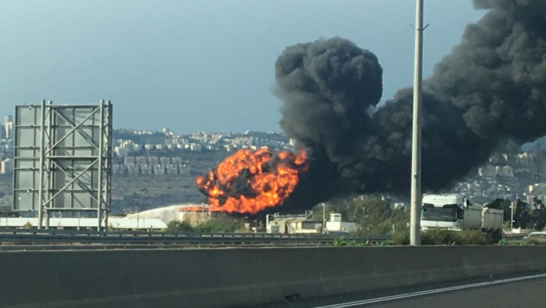 """תנועת אומ""""ץ פנתה למבקר המדינה בדרישה כי יפעל כנגד הרחבת בתי הזיקוק בחיפה"""