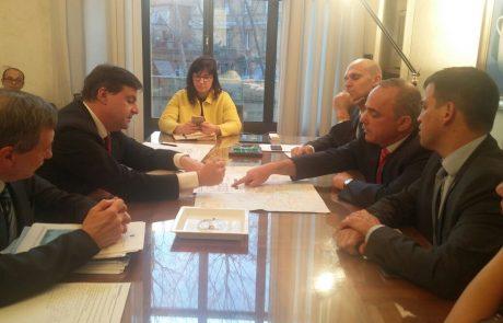 """שרי האנרגיה של ישראל ואיטליה ברומא """"נפעל לשיתוף פעולה בתחום האנרגיה בין המדינות"""""""