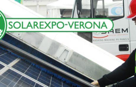 טכנולוגיה חדשה לניקוי פאנלים סולאריים באמצעות מיכלית ממונעת