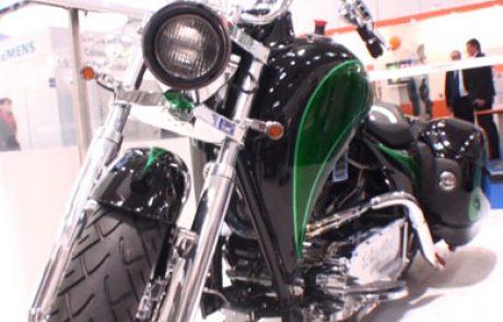 שניידר אלקטריק הציגה באינטרסולאר 2011 אופנוע היברידי ראשון מסוגו