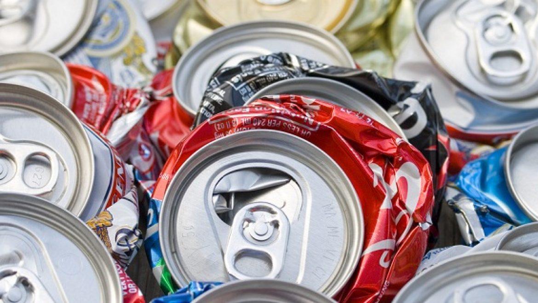 """קנס של 20 מליון ש""""ח ליצרני שתיה בשל אי איסוף בקבוקים"""