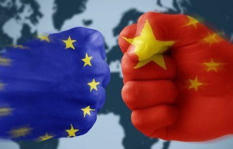 מאבק חדש: האיחוד האירופאי מטיל מכס על הזכוכית הסינית עבור פאנלים סולאריים