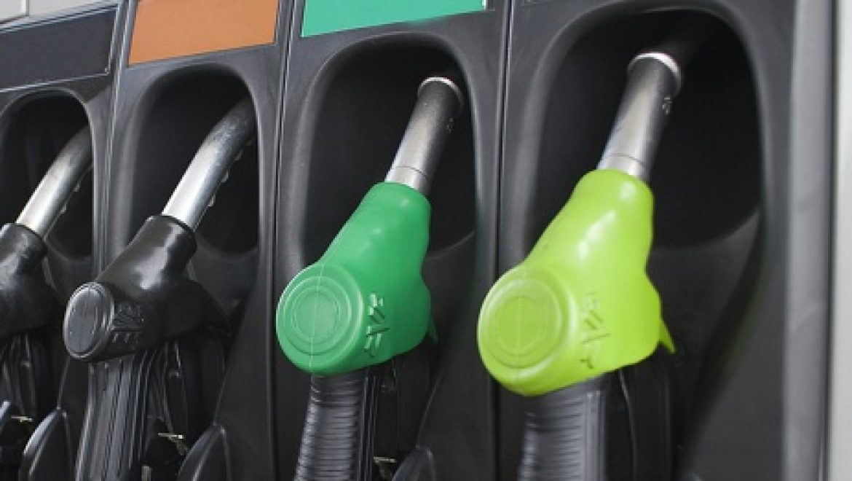 לראשונה מאז העשור הקודם – הדלק יורד מתחת ל-6 שקלים לליטר