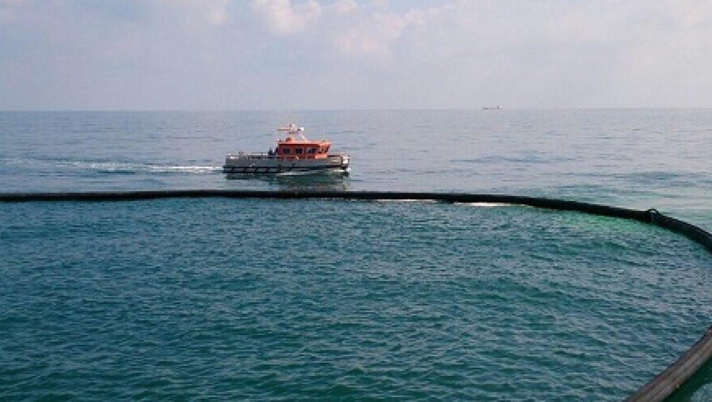זיהום בנמל חיפה עקב דליפת עשרות טון של מזוט