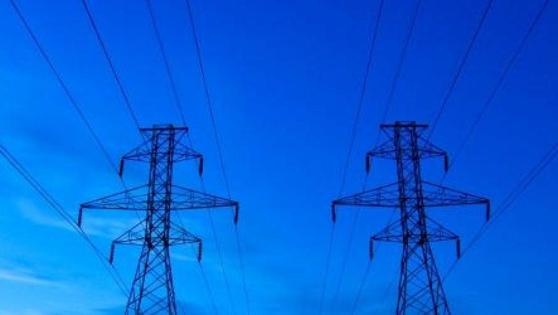 חברת החשמל: אל תדליקו מדורות ליד מתקני חשמל או מתחת לקווי חשמל