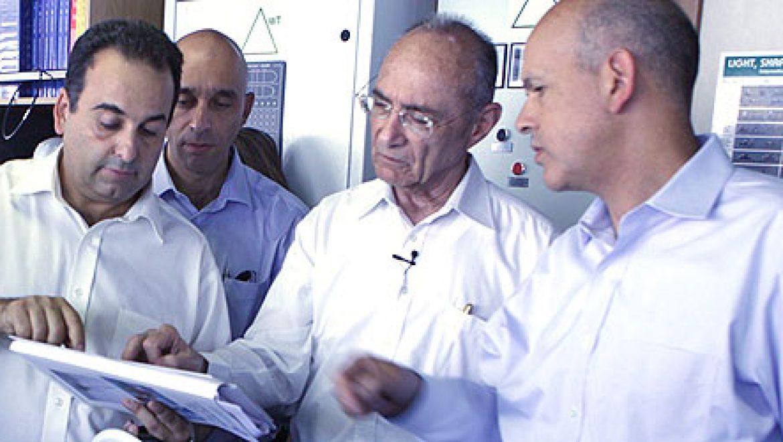 החלו עבודות הקמת המצוף הימי לקליטת גז טבעי נוזלי