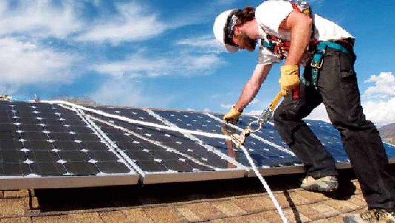 חוק מהפיכת הגגות הסולאריים יוצאת לדרך! שני שליש מבית משותף יספיק כדי לאשר הקמת מערכת על הגגות.