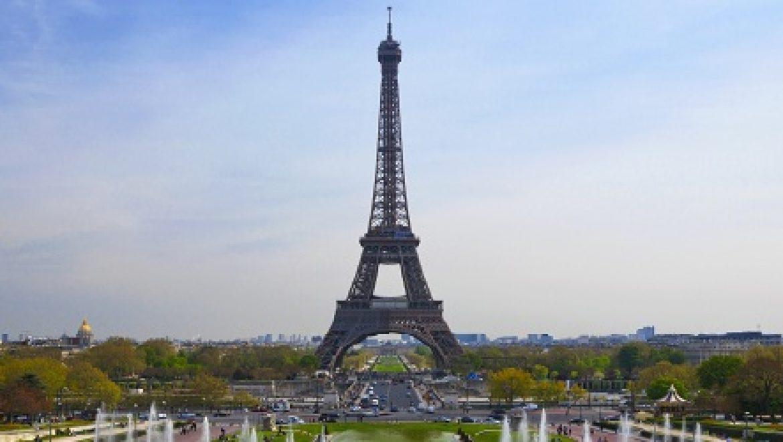 לראשונה בעולם: פריז מגבילה כניסת רכבי פנאי לשטחה