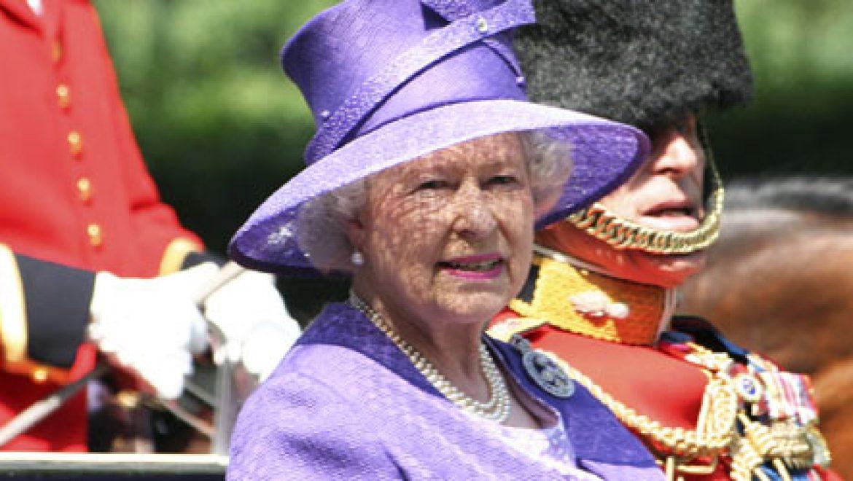 """מלכת אנגליה: """"ממשלתי תציע רפורמה לשוק החשמל הנקי"""""""