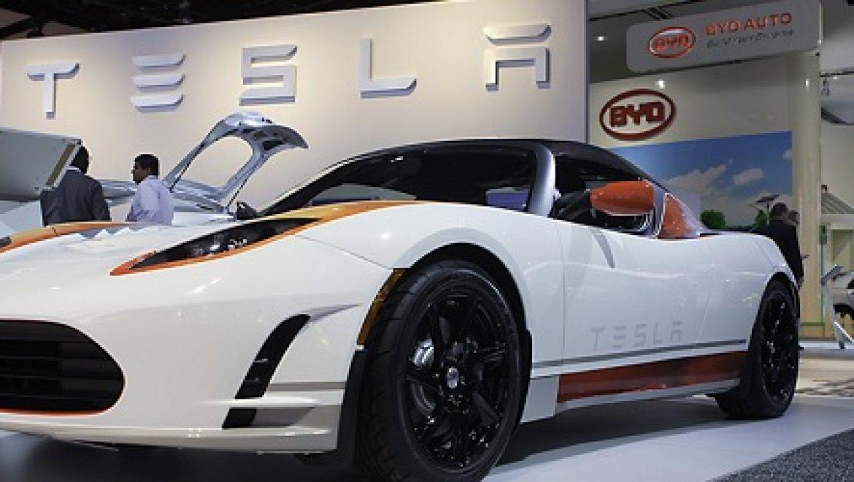 טסלה: תוך 3 שנים נייצר רכב חשמלי ללא נהג